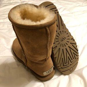 Women's Classic Short Uggs Boots